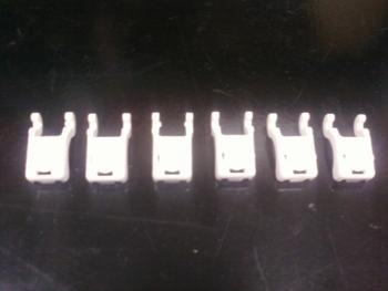 Trava Plástica para Grade Ventiladores SOLASTER Atual Branca (Kit 06 Unidades)